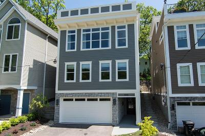 Cincinnati Single Family Home For Sale: 558 Empress Avenue
