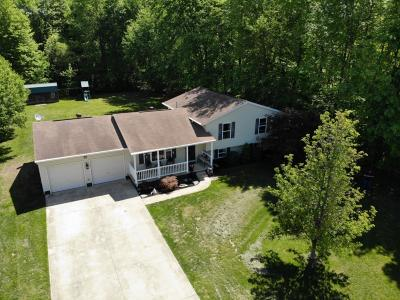 Brown County Single Family Home For Sale: 111 Woodland Crossing