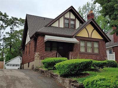 Cincinnati Single Family Home For Sale: 1931 Catalina Avenue