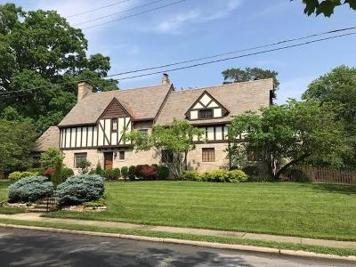 Cincinnati Single Family Home For Sale: 3760 Earls Court View
