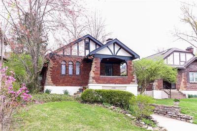 Cincinnati Single Family Home For Sale: 3036 Kinmont Street