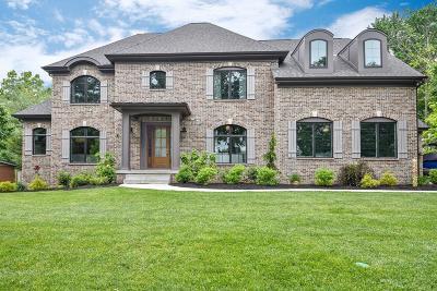 Single Family Home For Sale: 8925 Appleknoll Lane