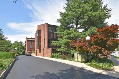 Cincinnati Condo/Townhouse For Sale: 2400 Madison Road #8
