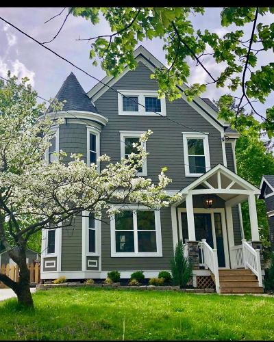 Cincinnati OH Single Family Home For Sale: $820,000