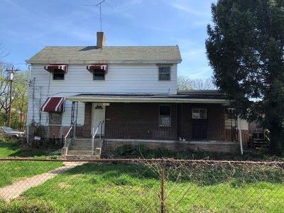 Cincinnati Single Family Home For Sale: 5626 Abbottsford Street