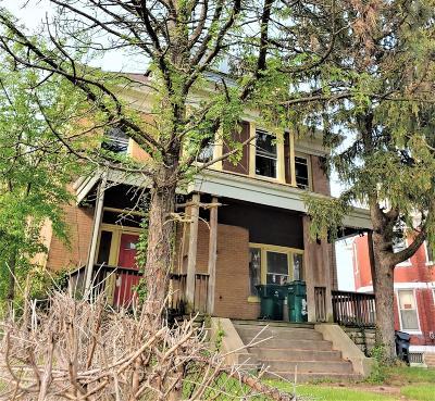 Cincinnati Single Family Home For Sale: 870 Lexington Avenue