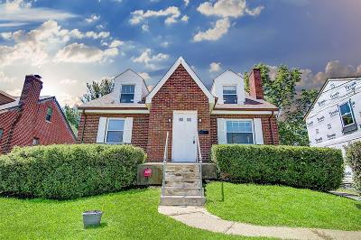 Cincinnati Single Family Home For Sale: 3467 Ridgewood Avenue