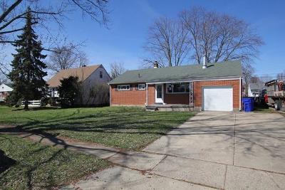 Hamilton Single Family Home For Sale: 885 Carlisle Avenue