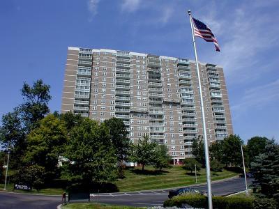 Cincinnati Condo/Townhouse For Sale: 2444 Madison Road #903