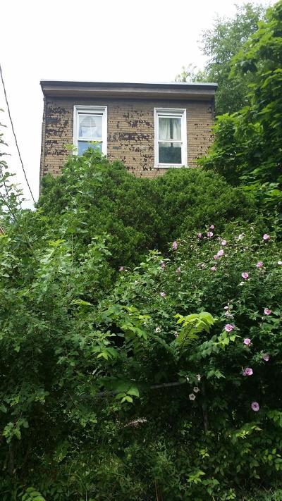Cincinnati Single Family Home For Sale: 758 Straight Street