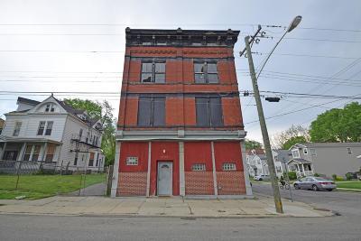 Cincinnati Multi Family Home For Sale: 1634 Hewitt Avenue