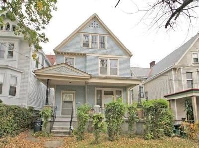 Cincinnati Single Family Home For Sale: 852 Rockdale Avenue