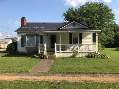 Manchester Single Family Home For Sale: 300 W Seventh Street