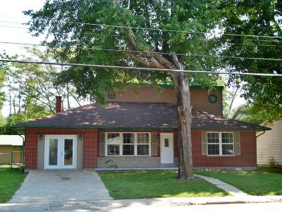 Brown County Single Family Home For Sale: 232 W Main Street