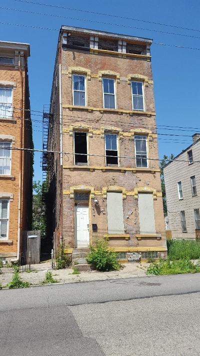 Cincinnati OH Multi Family Home For Sale: $39,000