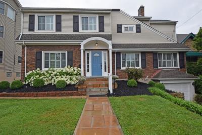 Cincinnati Single Family Home For Sale: 1254 Grace Avenue