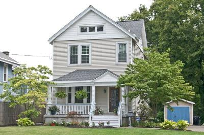 Cincinnati Single Family Home For Sale: 214 Parkway Avenue