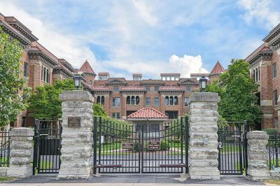 Cincinnati Condo/Townhouse For Sale: 2356 Park Avenue #15