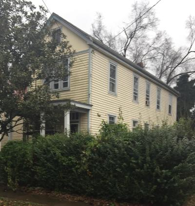 Cincinnati Single Family Home For Sale: 559 E Epworth Avenue