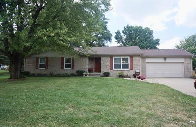 Middletown Single Family Home For Sale: 2 Henrick Drive