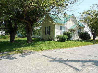 Adams County, Brown County, Clinton County, Highland County Single Family Home For Sale: 210 Washington Street