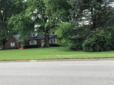 Springboro Single Family Home For Sale: 105 Central Avenue