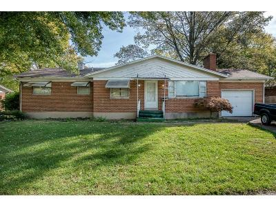 Kettering Single Family Home Active/Pending: 3964 Robertann Drive
