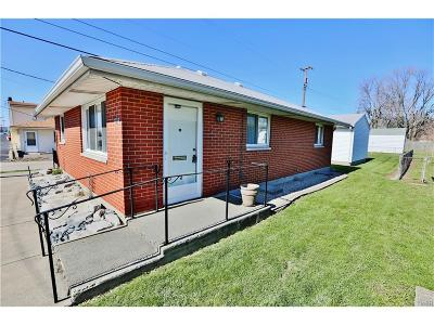 Moraine OH Single Family Home For Sale: $61,900