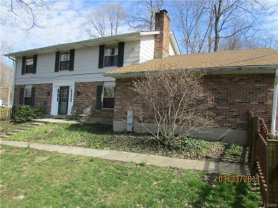 Kettering Single Family Home For Sale: 1273 Oakcrest Avenue