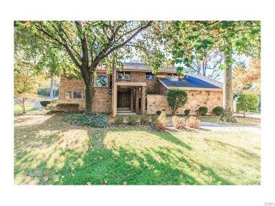 Dayton Single Family Home For Sale: 5867 Batsford Drive