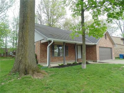 Huber Heights Single Family Home For Sale: 8971 Willowgate Drive
