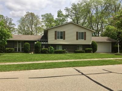 Fairborn Single Family Home Active/Pending: 1848 Robinhood Drive