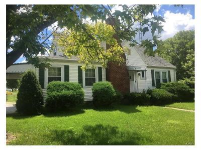 Fairborn Single Family Home For Sale: 130 Maple Avenue
