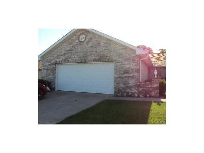 Englewood Single Family Home For Sale: 189 Marrett Farm Road