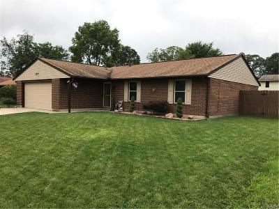 Huber Heights Single Family Home Active/Pending: 8941 Hickorygate Lane