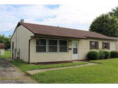Kettering Single Family Home Active/Pending: 2449 Bingham Avenue