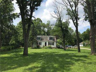 Beavercreek Single Family Home Active/Pending: 1669 Longview Street