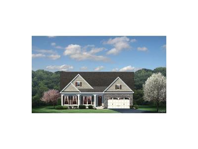 Beavercreek Single Family Home For Sale: 377 Hyde Park Place
