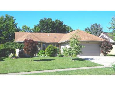 Huber Heights Single Family Home For Sale: 6564 Rolling Glen Drive