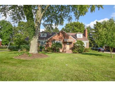 Kettering Single Family Home For Sale: 3150 Atherton Road