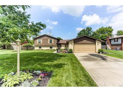 Huber Heights Single Family Home Active/Pending: 7221 Showplace Drive