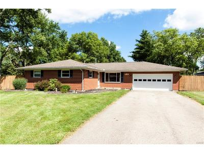 Troy Single Family Home Active/Pending: 160 Carrousel Drive