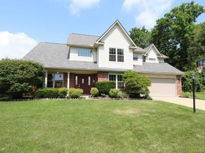 Fairborn Single Family Home For Sale: 2435 Dutch Mill Drive