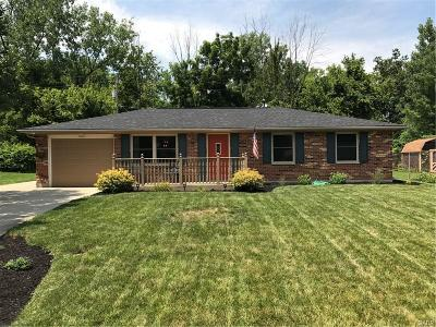 Huber Heights Single Family Home For Sale: 6651 Pegwood Court