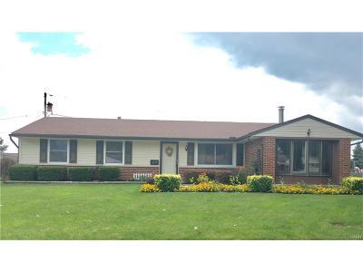 Huber Heights Single Family Home Active/Pending: 6450 Stonehurst Drive