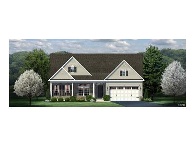 Tipp City Single Family Home For Sale: 918 Cedar Grove