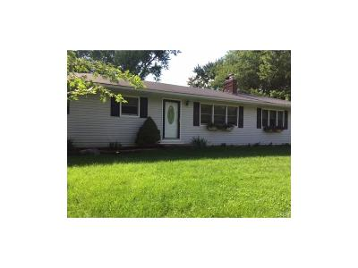 Beavercreek OH Single Family Home For Sale: $138,000