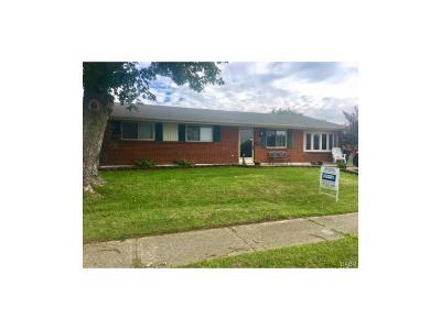 Huber Heights Single Family Home For Sale: 7485 Cedar Knolls Drive