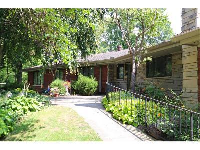 Dayton Single Family Home For Sale: 1928 Burnham Lane