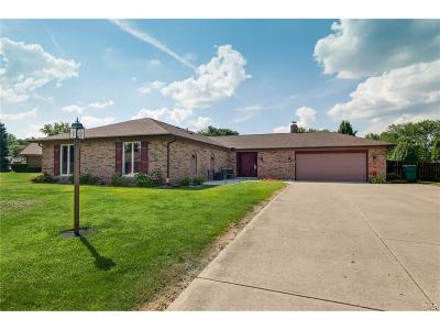Tipp City Single Family Home Active/Pending: 6870 Roberta Drive